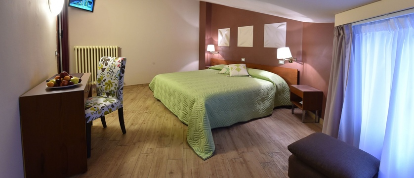 Hotel Ambra Bedroom.jpg